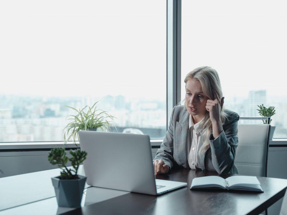 Como jefe, piensa: si tú fueses un empleado de tu organización, ¿qué necesitarías de tu superior? ¿Cumples tú con ello? En este artículo reflexionamos sobre ello.
