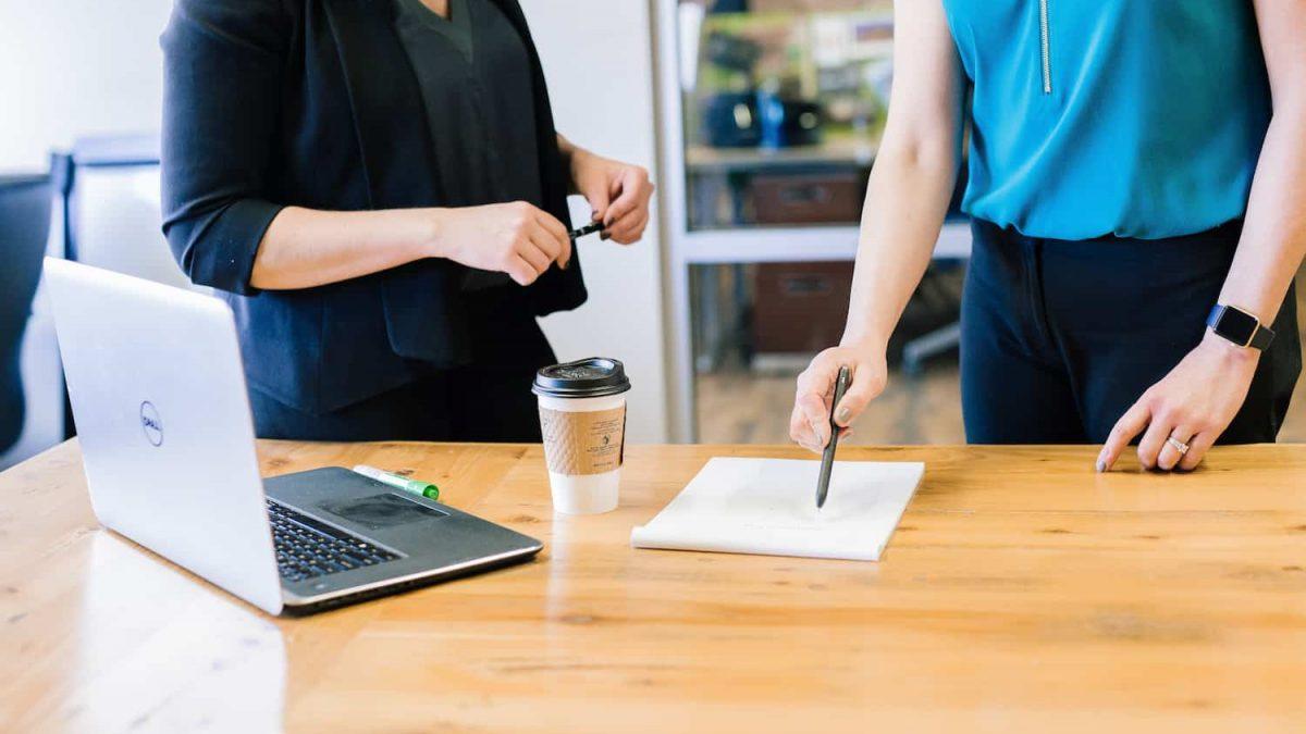 Cómo abordar una entrevista o reunión que sirva para que nuestro colaborador mejore su desempeño.